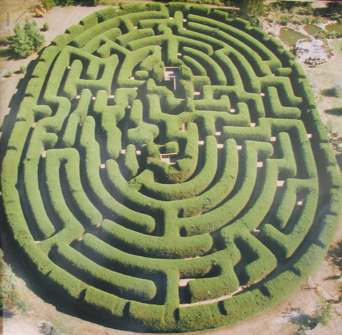 MorgansLists: A-MAZE-ING Images of Labyrinths And Mazes ...